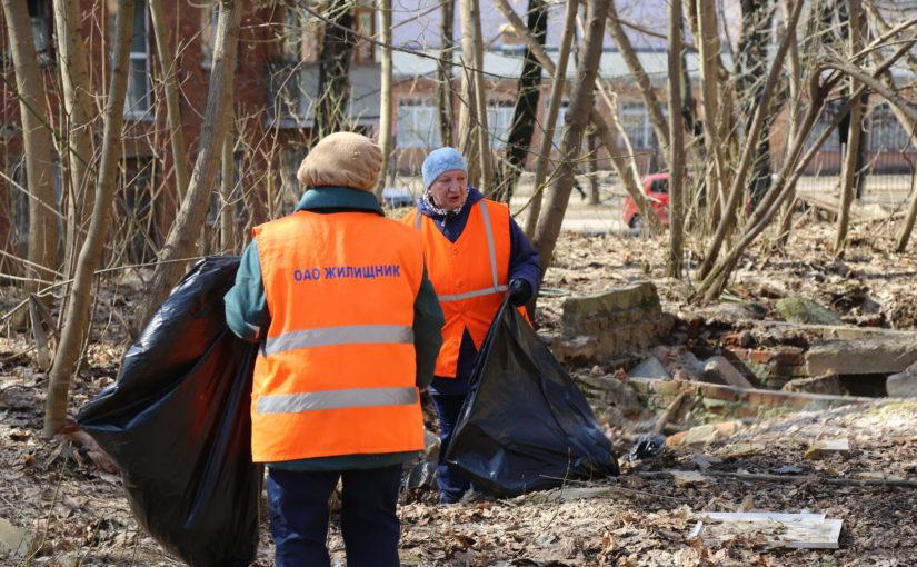 Более 600 сотрудников ОАО «Жилищник» приняли участие в апрельском субботнике